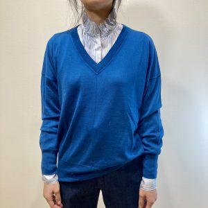FORTE FORTE – Scollo v in merinos colore Blu royal