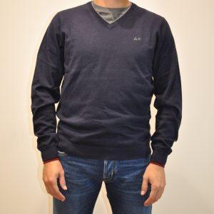 SUN68 – K40106 Scollo V misto lana e cotone con bordino colore BLU
