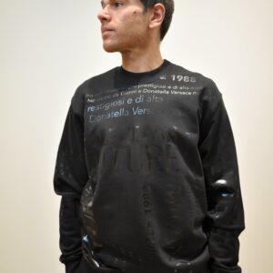 VERSACE JEANS COUTURE – Felpa con dedica Versace tono su tono colore Nero